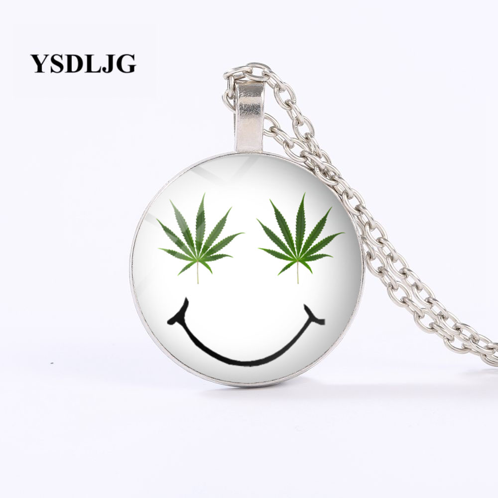 Marijuana Leaves Keychain Cannabis Weed Key Ring Reefer Grass Keyring