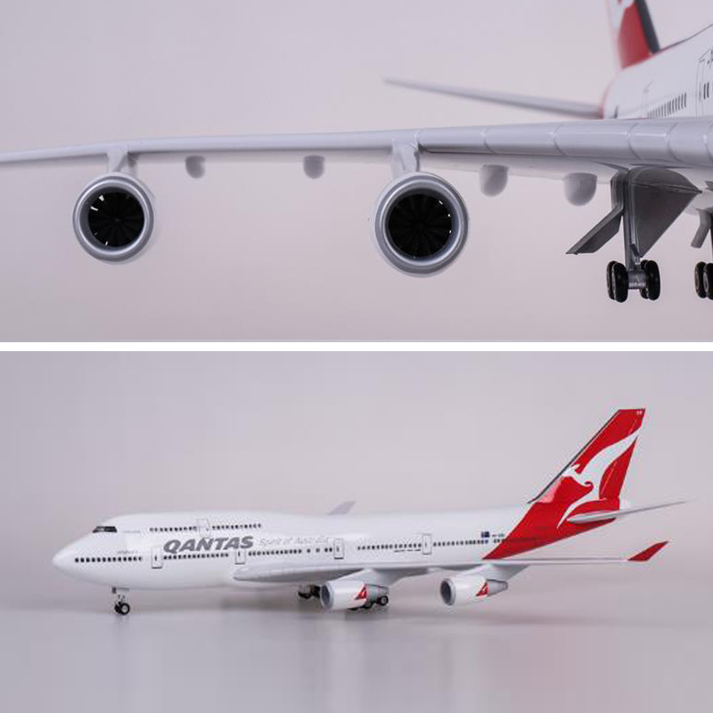 1/130 47cm Airplane QANTAS Airlines B747 Aircraft Model Dreamliner Airways Plane With Light Wheels Resin Airbus For Collection image