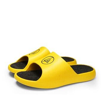 2020 New Men Shoes Summer Slippers Unisex Bathroom Slipper Male Couple Beach Sandals Fashion Home Slippers Non-slip Flip Flops 2020 summer cool rhinestones slippers for male gold black loafers half slippers anti slip men casual shoes flats slippers wolf