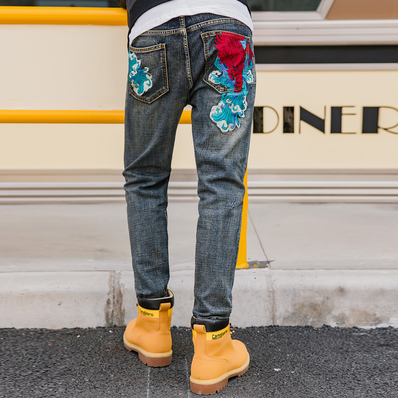 Riinr 2020 New Men's Embroidered Jeans Chinese Style Casual Jeans Male Personality Trousers Fashion Men's Straight Pants 29-40