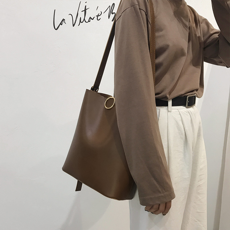 2021 New Sale Large Capacity Shoulder Bags Bucket Korean Style Daily Leather Handbags for Women Solid Color WholesalePrice J318