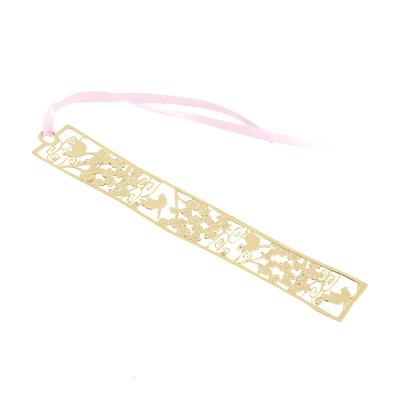 Originality Gold-plated Hollow Out Carved Flower A Gentle Wind Cherry Blossoms Originality Hand Account Metal Bookmark