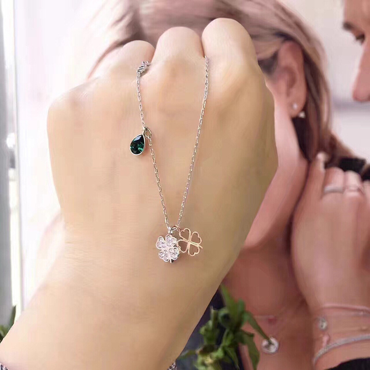 QSJIE High quality SWA clover clavicle chain double Lucky Clover Necklace Glamorous fashion jewelry