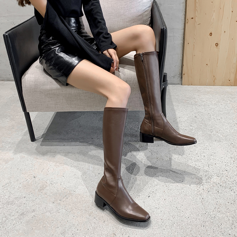 Женские эластичные сапоги до колена черные или коричневые из