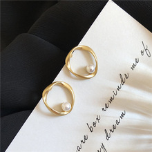 2020 New Arrival Fashion S925 Silver Plated Stud Simple Pearl Irregular Earrings for Women Accessories Jewelry 2020 new arrival fashion cool s925 silver plated stud metal style c shaped earring for women accessories jewelry