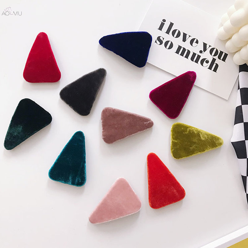 AOMU 1PC Korea Solid Color Velvet Triangle Hairpins Women Autumn Winter Geometric Faux Fur Hair Clips For Girls Hair Accessories