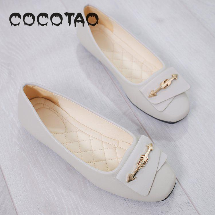 A pedal shallow mouth ins small leather shoes female 2019 new nurses work shoes flat soft bottom leisure shoes 22 in Women 39 s Flats from Shoes