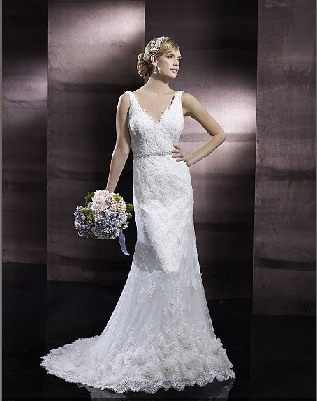 2016 New Hot Lace Gracefully Gorgeous Sheath V-neck Low Back Handmade Hem Thin Beaded Embroidered Sash Bridal Gown Wedding Dress