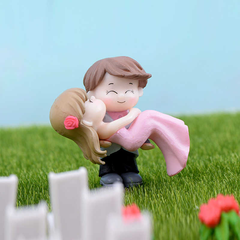 Romantic Couples Figurines Fairy Garden Miniatures PVC Ornaments Cute Lovers Wedding Dolls for Home Furnishing Accessories