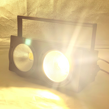 NIEUWE 2 ogen 2x100w LED Warm Wit 3200K 200W Led Publiek light DMX LED COB 200W Led Strobe dj licht wassen beam stage effecten