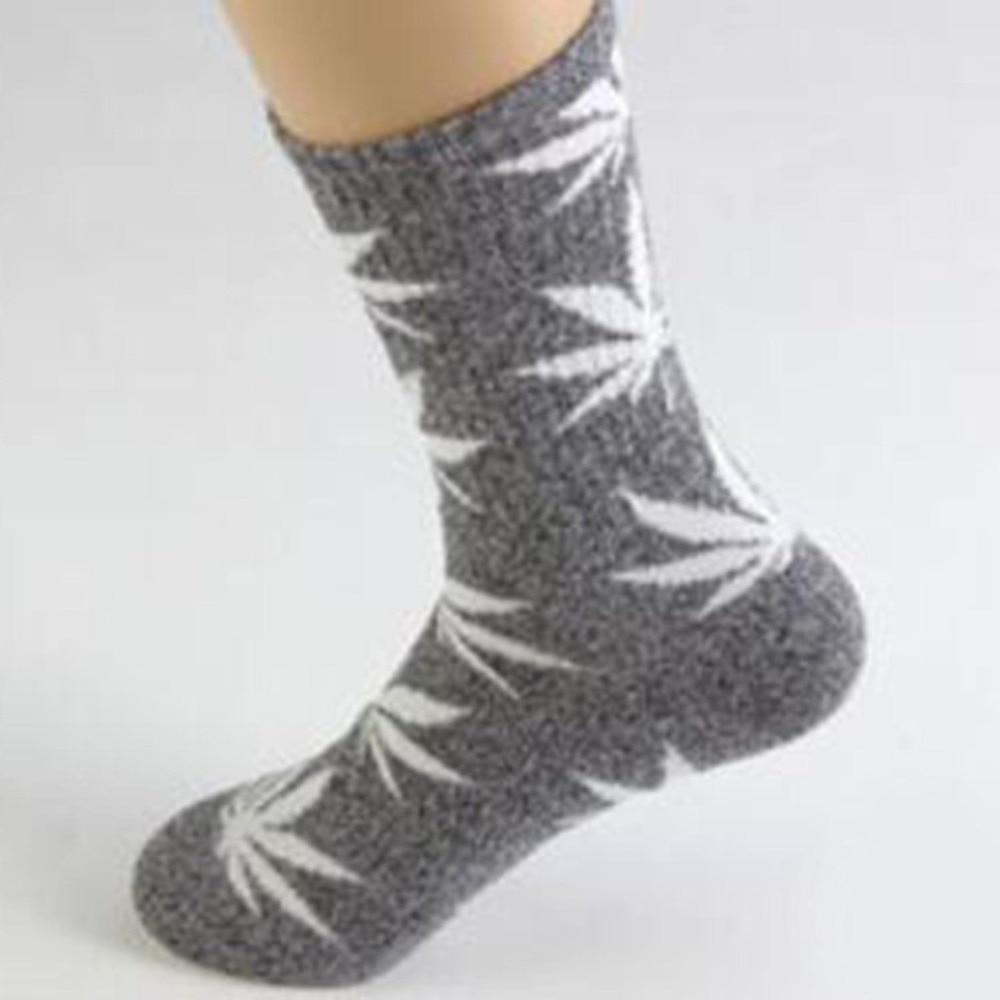 Maple Leaf Printed Socks Soft Chaussettes Femmes Cotton Socks Anti-slip Over Ankle Socks For Men Women Xmas Socks Meias