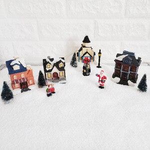 Image 2 - Casa de pueblo de invierno de Navidad con luz LED con temporizador, figuritas de Navidad, accesorios para el paisaje de pueblo, juego de accesorios