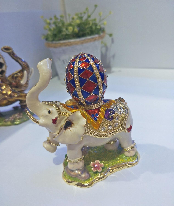 Éléphant bijoux bibelot boîte éléphant boîte avec Faberge oeuf sur le dos à la main cristal anneau de support en métal éléphant cadeaux de mariage