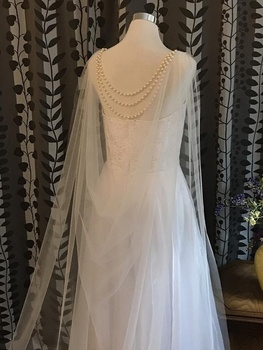 Soft Bridal Cape w/Pearls Back Jewelry Bridal Shoulder Cape wedding wrap bolero jacket capes beaded shawl hooded cape фото