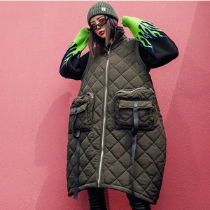 Image 2 - Vefadisa Winter Flocking Sleeveless Vest Woman 2019 Zippers Pockets Vest Coat Loose Cotton padded Vest Black Brown QYF1262