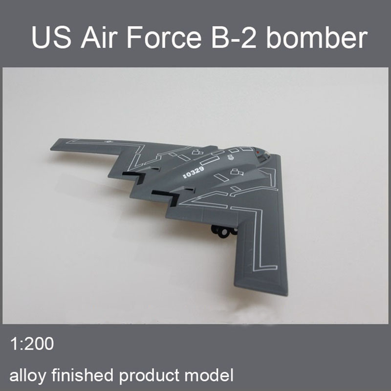 US Air Force B2 Ghost Stealth Bomber B-2 Alloy Finished Aircraft Model 1/200