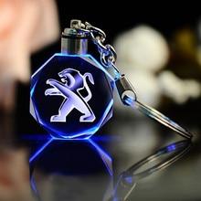 Novo padrão menino apresenta namorada carro chaveiro para peugeot emblema de vidro metal criativo com lâmpada anel chave acessórios automóveis