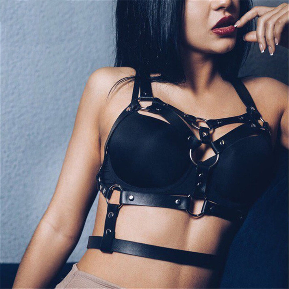 Fashion Punk Cupless Bra Top Leather Harness Belt Body Bondage Chest Straps Black Studded Rivet Cropped Top