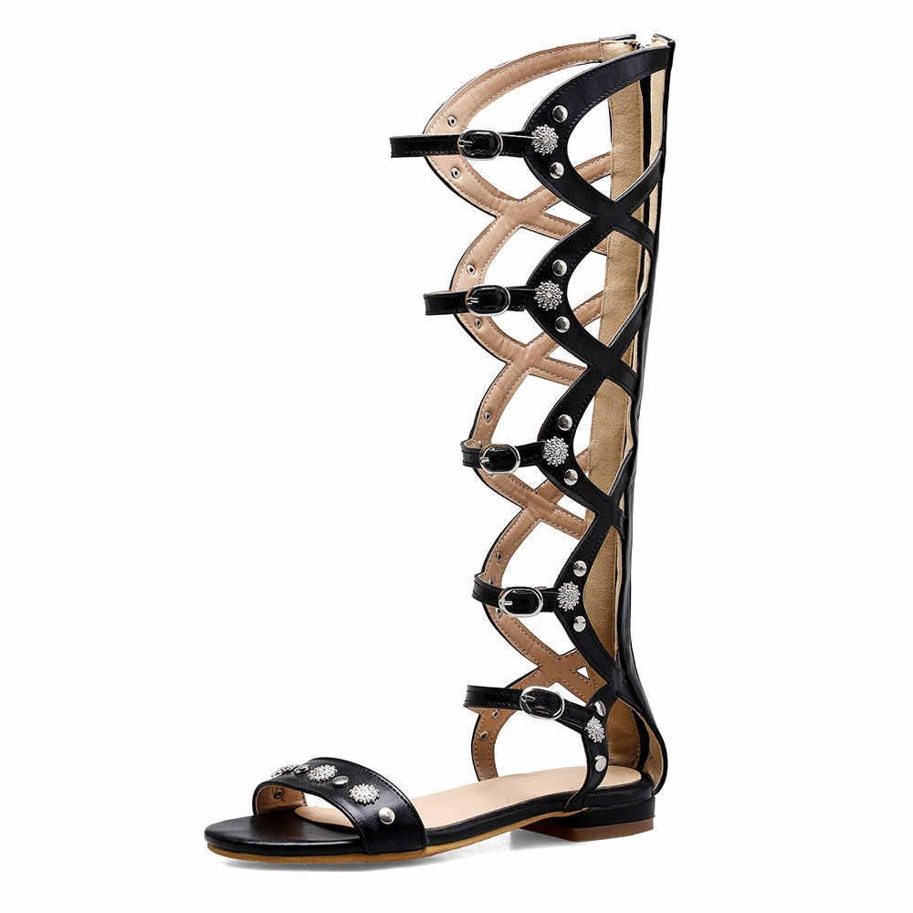 Sandalias de tacón con tachuelas plano de verano 2019 para mujer con hebilla de remache en color marrón y Negro sandalia zapatos de mujeres E919