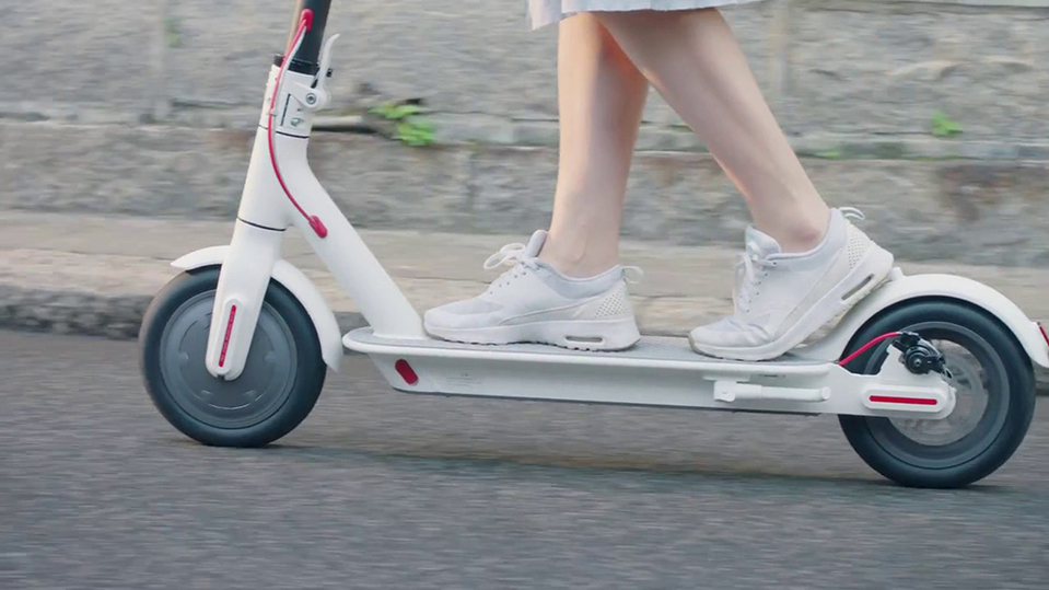 2019 M Electric Scooter  Smart E Scooter Skateboard Mini Foldable Hoverboard Longboard Adult Battery