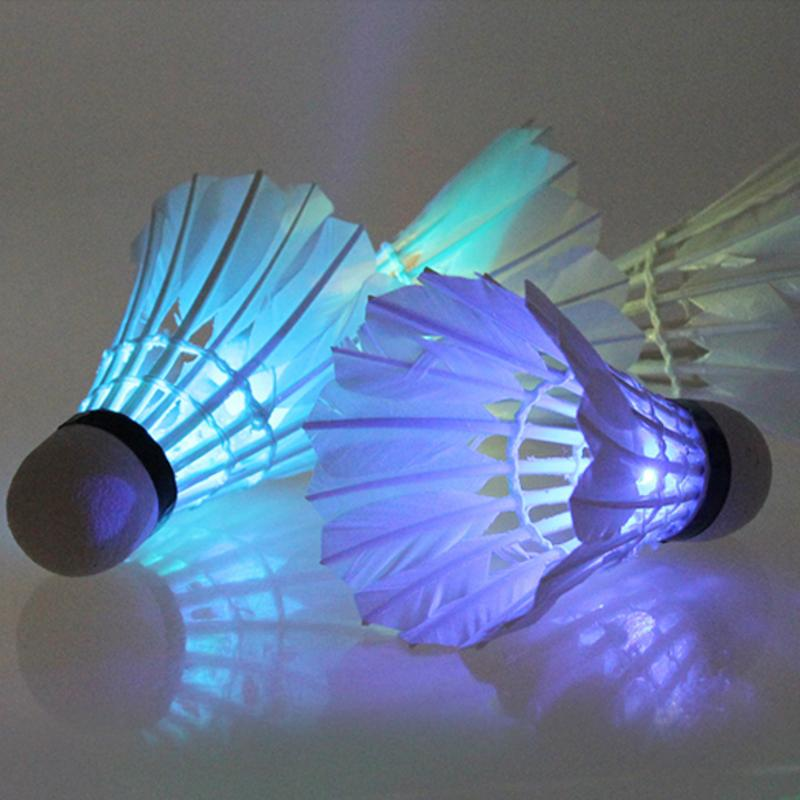 4 Pcs Dark Night LED Shuttlecocks Glow In The Dark Night Badminton Feather Shuttlecock Shuttlecocks Outdoor Sports Accessories