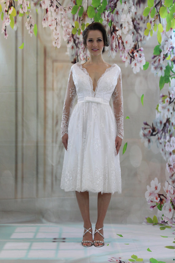 Vestido Noiva Curto Long Sleeve Wedding Dress Knee Length 2019 Sexy Beach Backless Wedding Gowns lORIE Short Bridal Dresses in Wedding Dresses from Weddings Events