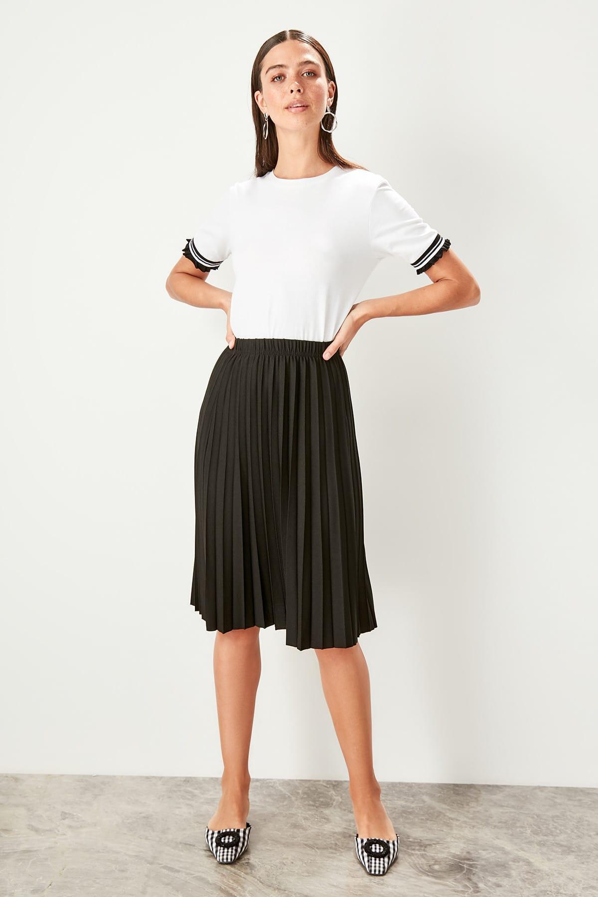 Trendyol Black Pilise Knitted Skirt TWOSS19FV0195
