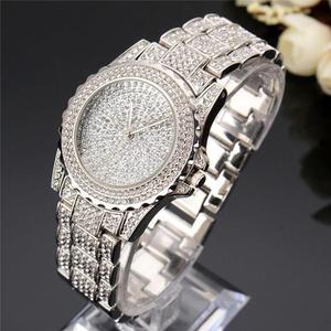 Image 2 - 2020 女性ブリンブリンウォッチ高級アイスアウト時計レディースシルバーダイヤモンド時計ファッションローズゴールドリロイ mujer