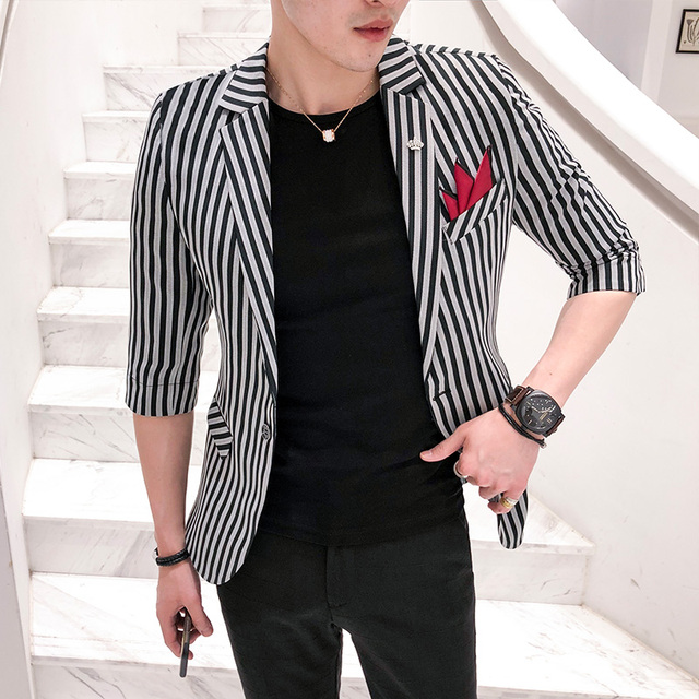 2018 new hair stylist vertical stripes suit male Korean version of England Slim business casual seven points sleeve suit jacket