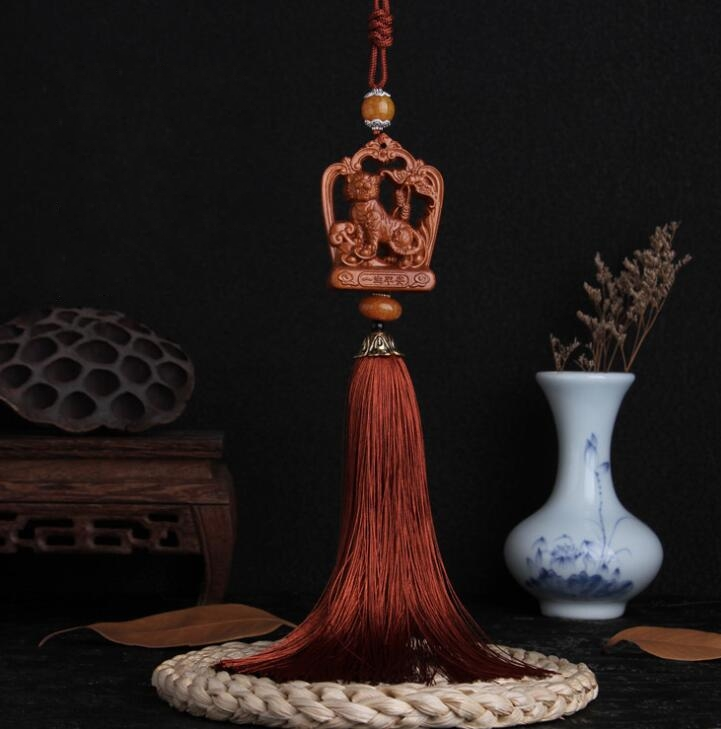 Chinese Double-sided Peach Wood Carved Zodiac Aniaml Tiger Safe And Good Luck Exquisite Car Pendant Statue Gift
