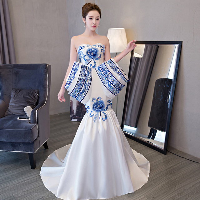 Oriental Evening Dresses Long Strapless Embroidery Cheongsam White Chinese  Vintage Women Traditional Dress Style Chinois Femme 7b7f51e41325