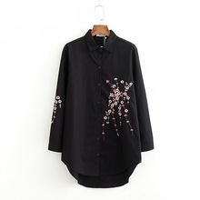 2019 Spring Casual White Shirts Long Peach Blossom Embroidery Shirts Literary Long Sleeve Floral Loose Blouse цена