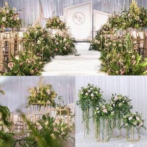 Image 5 - 10 pces casamento/mesa peça central flor vaso vasos de assoalho metal estrada chumbo flor suporte/pote/rack para casamento/festa decoração g0502