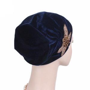 Image 5 - Femmes musulmanes inde casquette dames velours chapeau Beanie Skullies Turban chimio casquette avec perles fleur chapeaux Cancer chapeau intérieur élégant