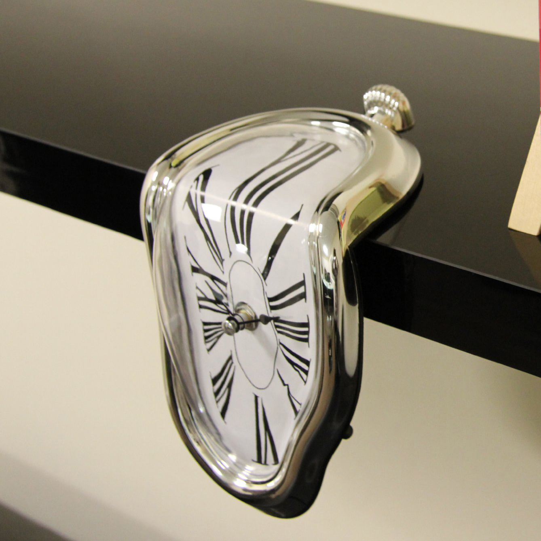 Horloge fondante 6