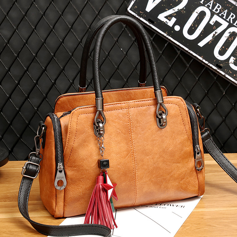 New Women Bag Vintage Tassel Star Female Handbag Leather Side Zip Pocket Ladies Hand bags Crossbody Messenger Bag For Woman 2019