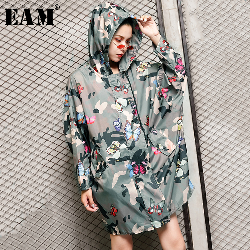 [EAM] 2019 New Spring Summer Hooded Long Sleeve Camouflage Big Size Overisize Thin Windbreaker Women   Trench   Fashion Tide JS993