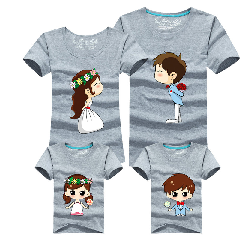 Family Matching Outfits Mother Father Son Daughter 15 Colors Cartoon Bride Bridegroom Print Women Men Children Boy Girl T shirt benfica camisola 2020