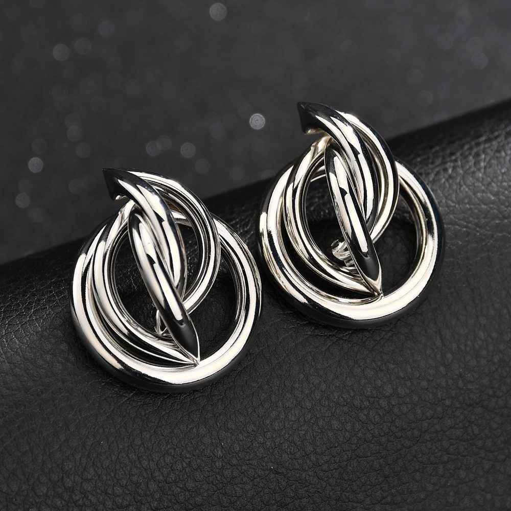 European And American Fashion Trend Metal Ring Stud in Stud Earrings from Jewelry Accessories
