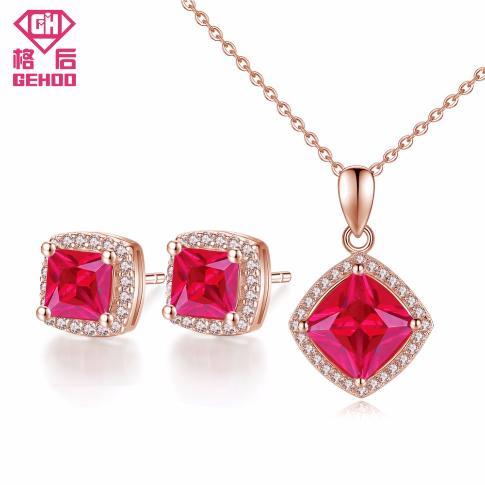 Sterling Silver Classic Traditional Ruby Cubic Zirconia Pendant necklace /& Chain