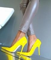 Женские туфли на очень высоком каблуке из желтой кожи, свадебные туфли на шпильке с острым носком без застежки, большие размеры 11
