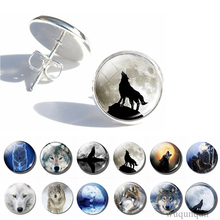 Vintage Wolf Howling At The Moon Art Style Stud Earring Fashion Silver Glass Cabochon Animal Earings Jewelry Women Gifts