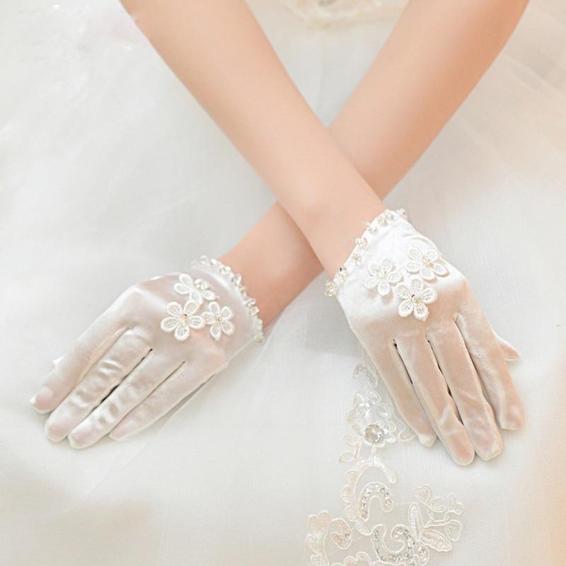 Pearl Satin Gloves Cream White Short Wrist Full Finger Women Beaded Flower Silk Gloves 80s Party Half Palm Elastic Satin Gloves
