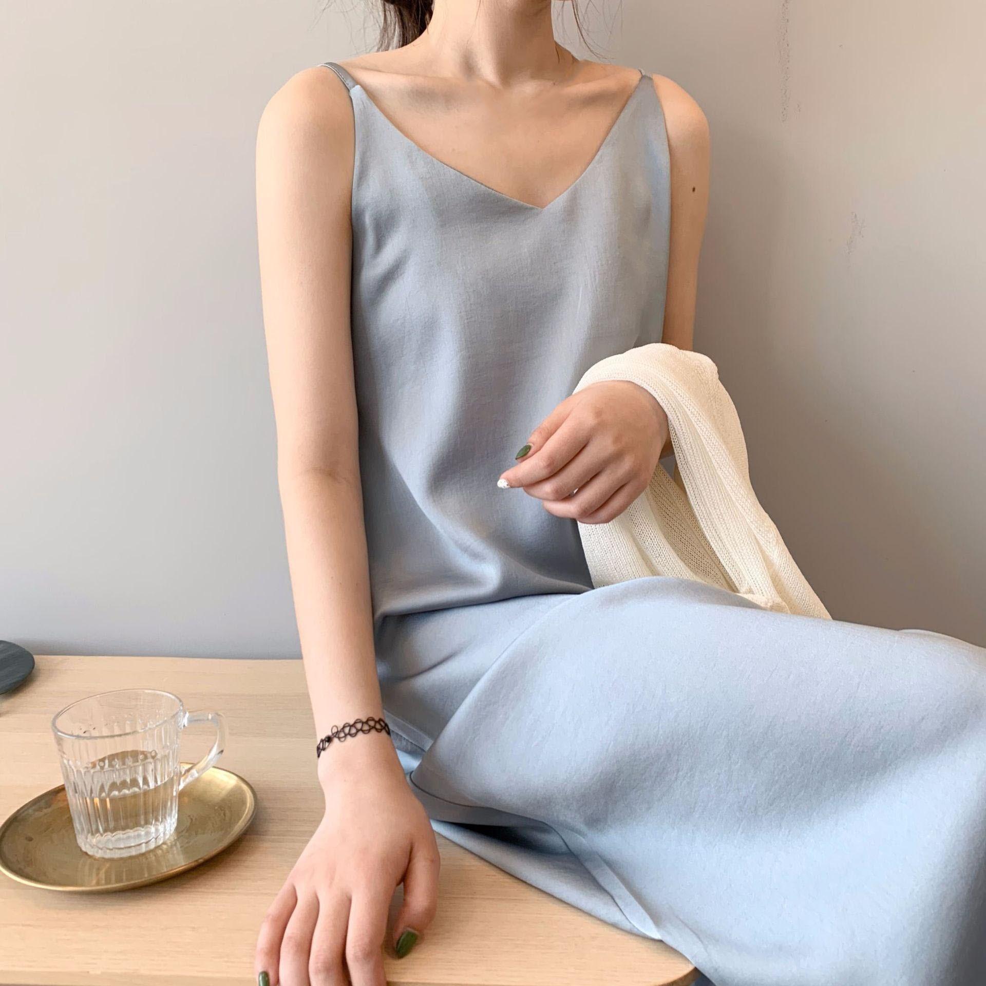 2019 Woman Sexy V Neck Long Tank Dress Casual Spaghetti Strap Satin Camisole Max Dress Sleeveless Female Holiday Beach Dresses