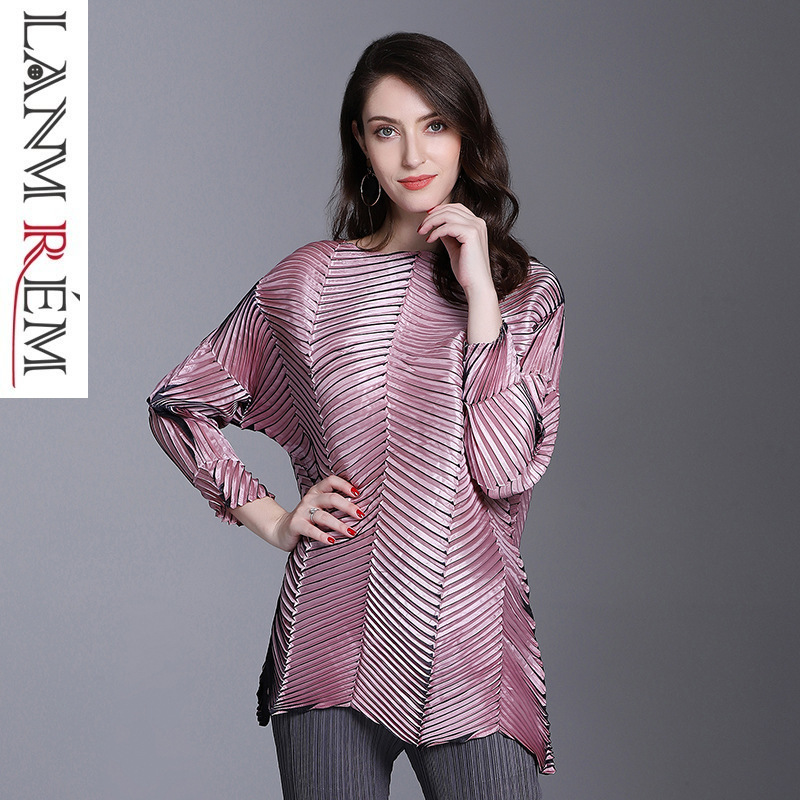 LANMREM 2019 New Fashion Embossing Loose Big Size Pleated Tops Female s Three Quarter Sleeve Irregular