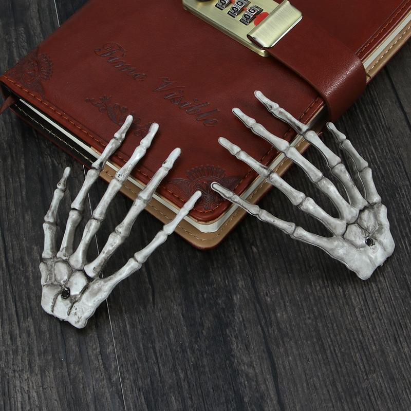 1 Pair Plastic Skeleton Hands Haunted Ghost House Hand