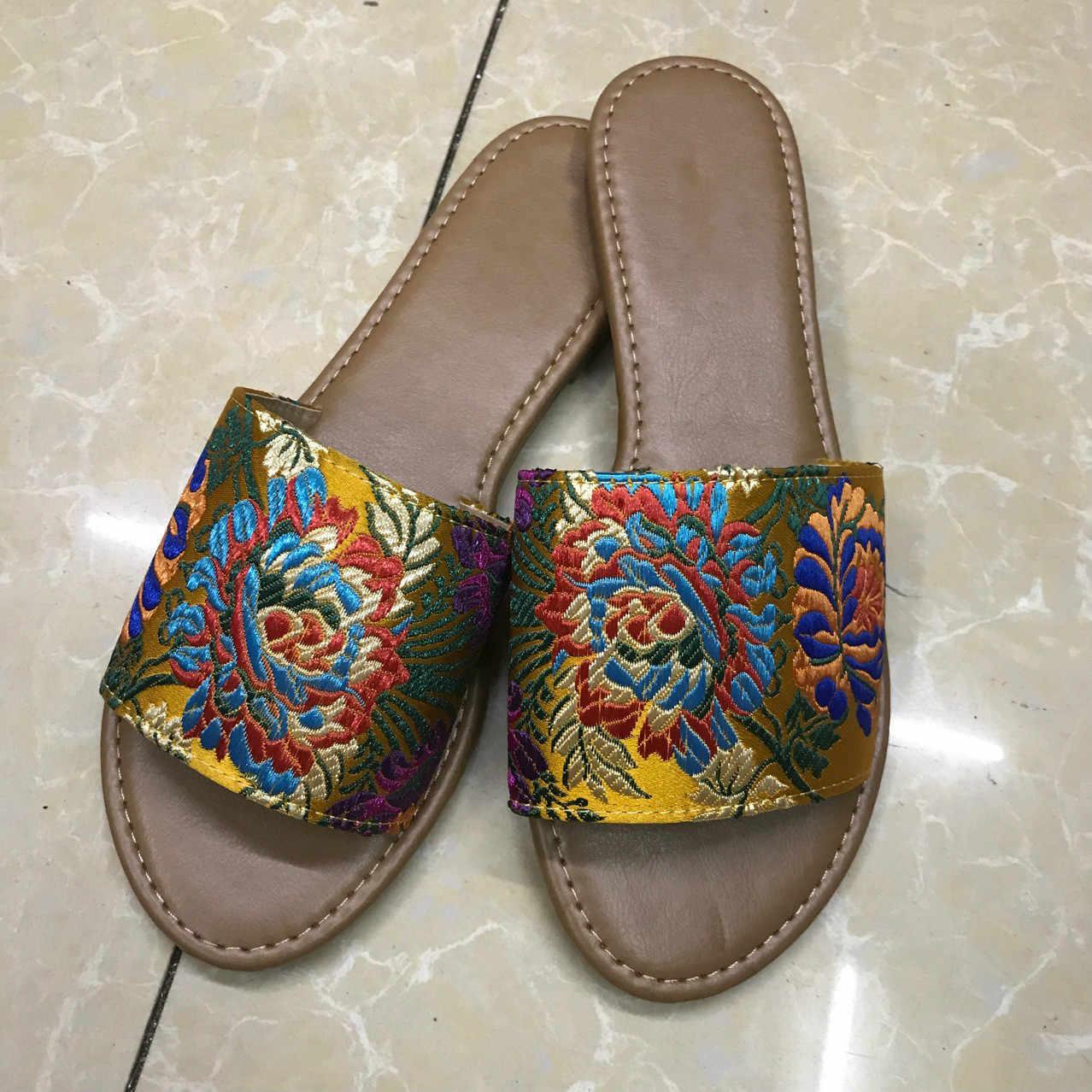 Womens Slides 2019 Summer Elegant Embroider Slipper Flat Heel Flip Flops Woman  Open Toe Sandals Pantoufle 4fc1b9c874e8