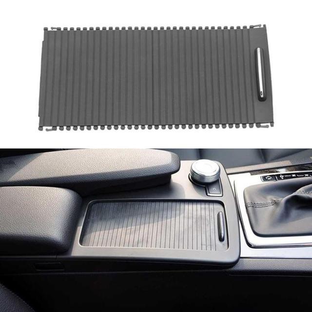 Persianas de rolo do carro para w212 center console capa a20468047089051 copo água rack rolo para benz classe c w204 s204 e classe s212