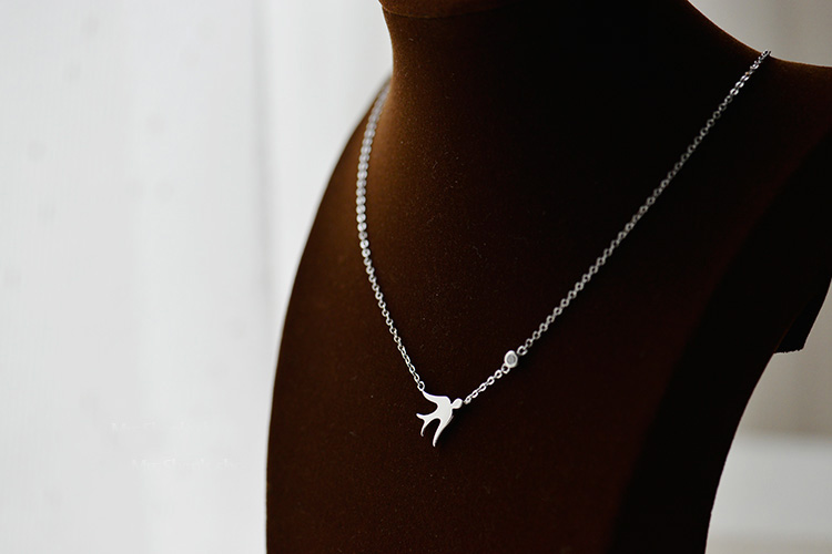 925 Sterling Silver swallow Necklaces Pendants For Women High Quality Sterling silver jewelry in Pendant Necklaces from Jewelry Accessories