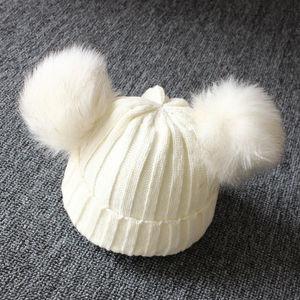 Теплая вязаная шапка с меховыми помпонами для новорожденных девочек и мальчиков, теплая однотонная Красивая Шапка-бини в подарок, 2019